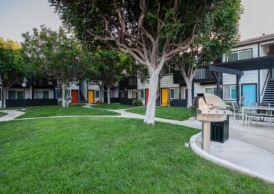 Greeny Courtyard at Eastside Apartments